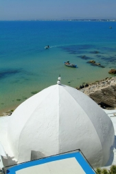 architecture-musulmane;medina;rempart;plage;hammamet;coupole