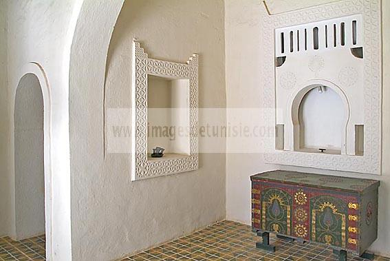 Pice intrieure du houch maison traditionnelle djerbienne for Architecture tunisienne maison