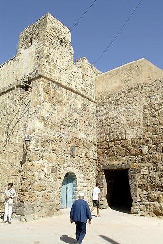 bizerte;architecture musulmane;enceinte;medina;porte