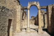 architecture-antique;antiquite;romain;dougga;frigidarium;thermes