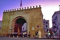 architecture-musulmane;medina;place;porte;tunis