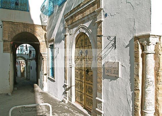 architecture;musulmane;medina;porte;tunis;dar;fa�ade;Palais;