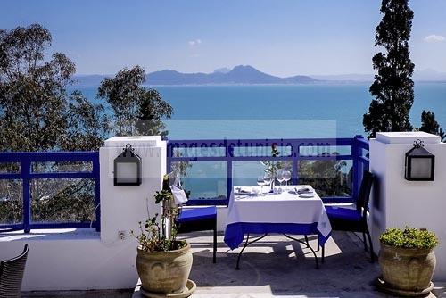 Terrasse c t mer du restaurant dar zarrouk au coeur du for Sidi bou said restaurant