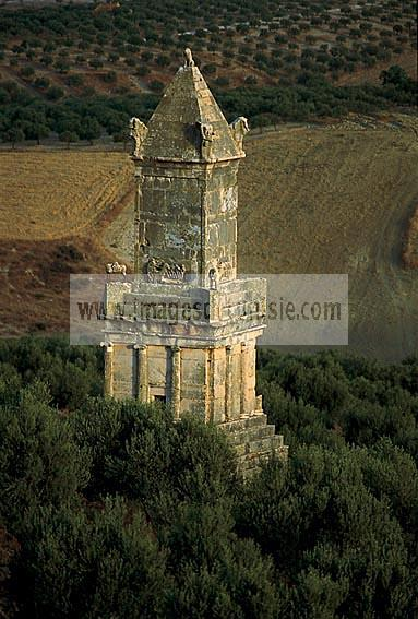 architecture;antique;antiquite;dougga;punique;numide;mausolee;libyco-punique;