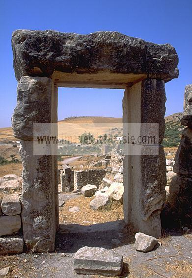 architecture;antique;antiquite;romain;dougga;porte;