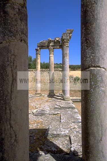 architecture;antique;antiquite;romain;dougga;temple;caelestis;