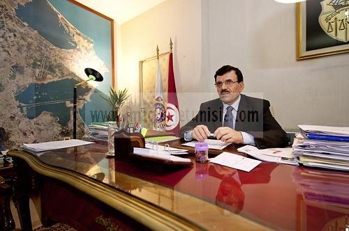 Dasn le bureau de ali larayedh ministre de l 39 interieur for Ministre interieur depuis 2000