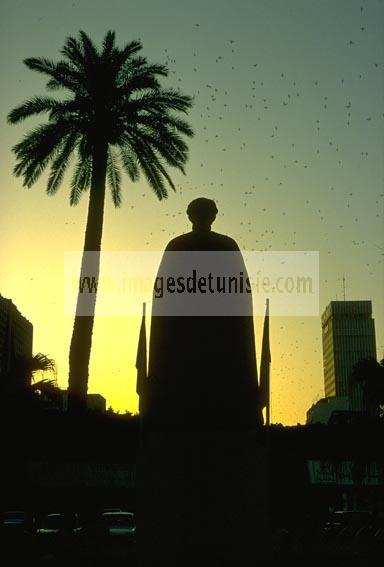 Statue;place;Ibn Khaldoun;tunis