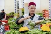 marché;légumes;poissons;marché-central;fromages;olives;vendeur
