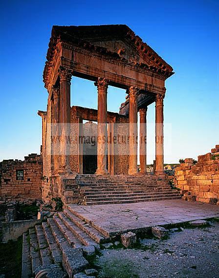 architecture;antique;antiquite;romain;dougga;temple;capitole;