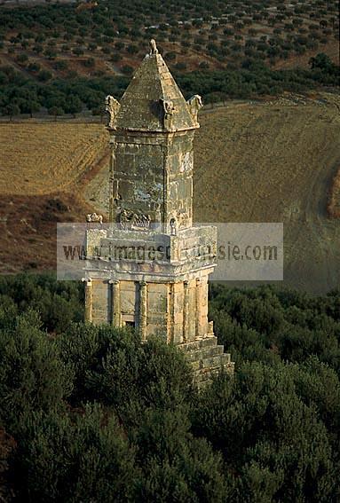 architecture antique;antiquite;dougga;punique;numide;mausolee;libyco-punique